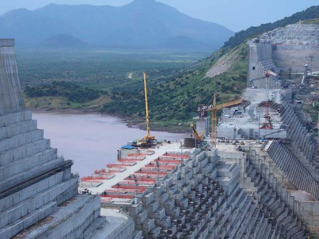 Siêu đập thủy điện chặn dòng sông Nile: Dân hai nước láng giềng trút giận