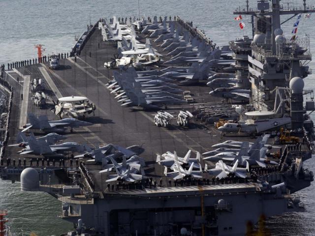 """Cảnh báo mạnh mẽ Trung Quốc ở Biển Đông, Philippines tự tin vì có """"chống lưng""""?"""