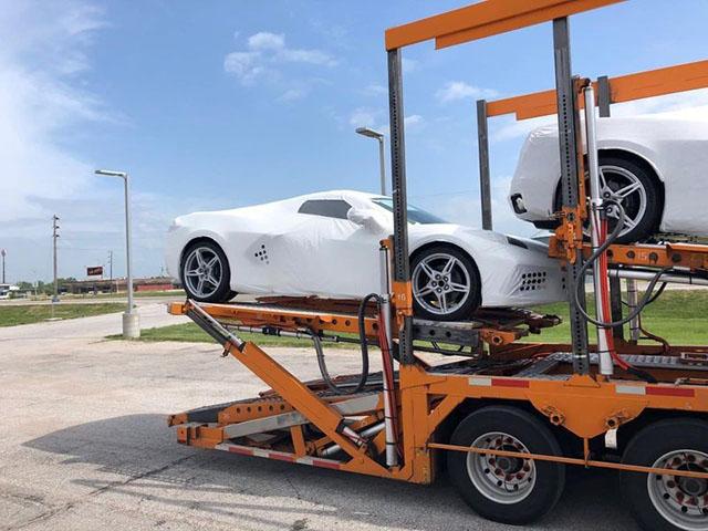 Chevrolet Corvette C8 sắp về Việt Nam, giá khoảng 7 tỷ đồng