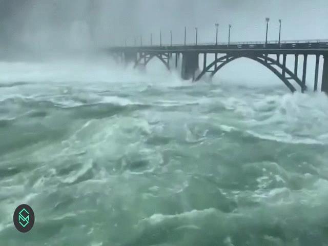 """Hồ thủy điện """"khủng"""" TQ xả lũ: 30 vạn người bị ảnh hưởng, 12 làng bị nhấn chìm"""