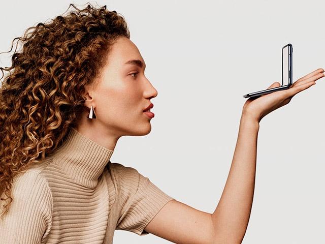 """Galaxy Z Flip sẽ là smartphone có màn hình gập lại """"bán chạy"""" nhất năm nay"""