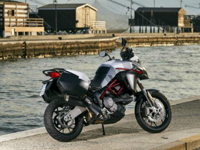 Ngắm xích thố vương 2020 Ducati Multistrada 950 S màu trắng GP
