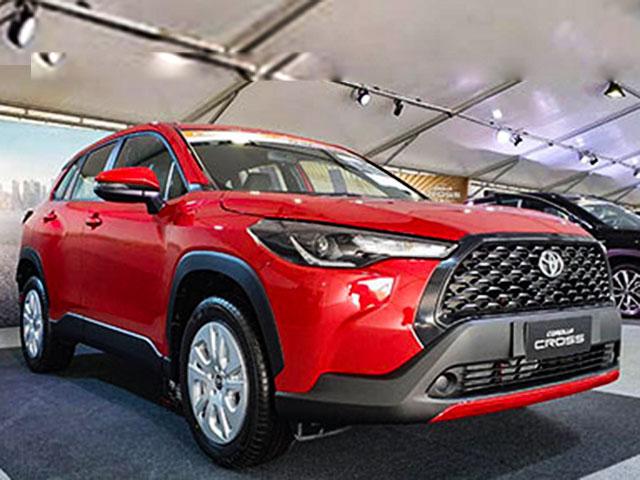 Ảnh thực tế mẫu xe SUV Toyota Corolla Cross phiên bản sử dụng động cơ xăng tại Thái