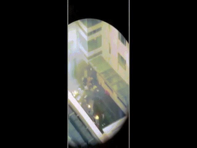 Video: Cảnh lửa cháy bên trong lãnh sự quán Trung Quốc bị Mỹ đóng cửa