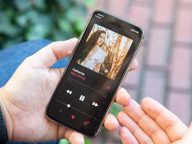 Khi nào chúng ta thực sự có thể sở hữu iPhone mới?