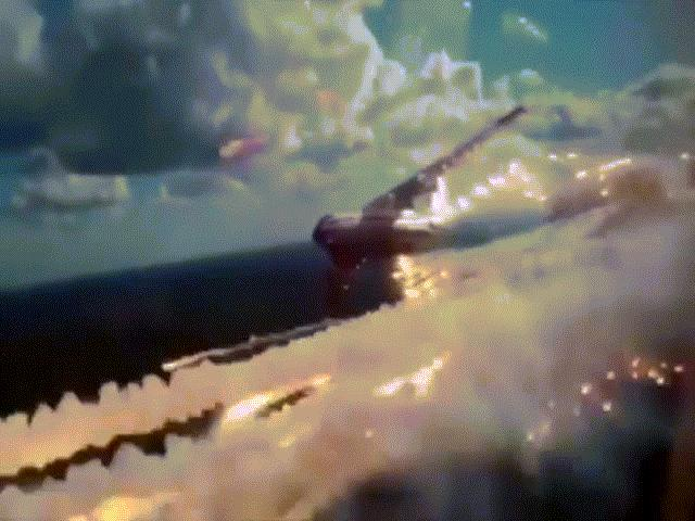 Xem video máy bay vận tải quân sự Nga rải pháo sáng ấn tượng