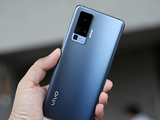 Trên tay vivo X50 Pro có công nghệ đặc biệt trong cụm camera sau