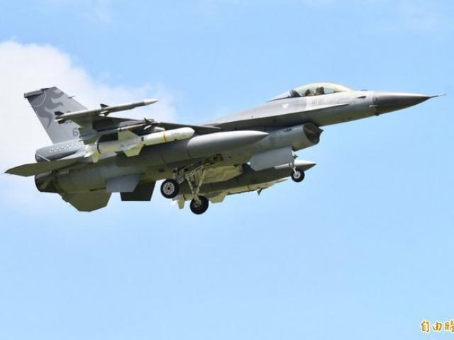 TQ sắp tập trận đổ bộ chiếm đảo, Đài Loan răn đe bằng chiến đấu cơ F-16 cùng tên lửa chống hạm