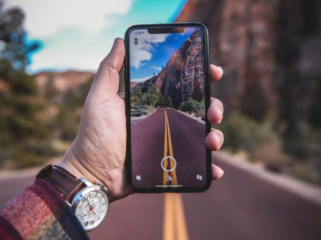 Chiếc iPhone từng bị ném đá lại mở ra kỷ nguyên mới cho smartphone