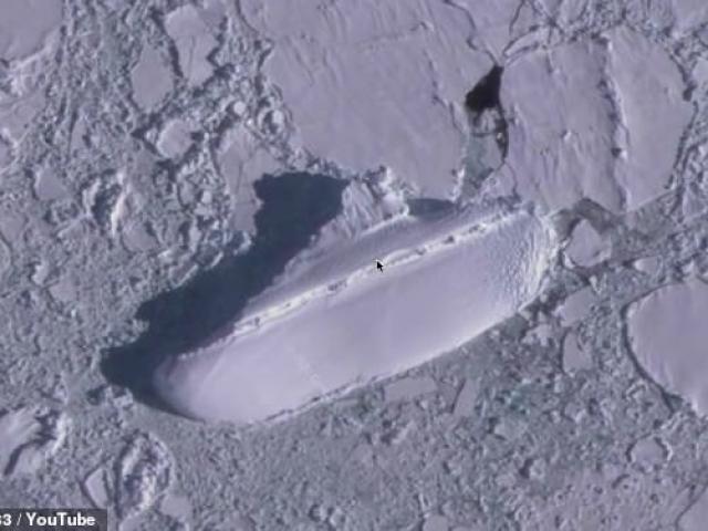 Phát hiện xác tàu băng dài 120m ở Nam cực lạnh giá?