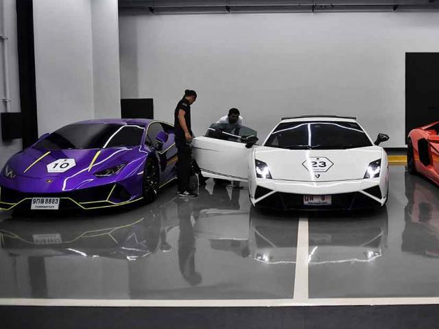 Giữa đại dịch Covid-19, giới siêu giàu Thái Lan vung tiền mua siêu xe