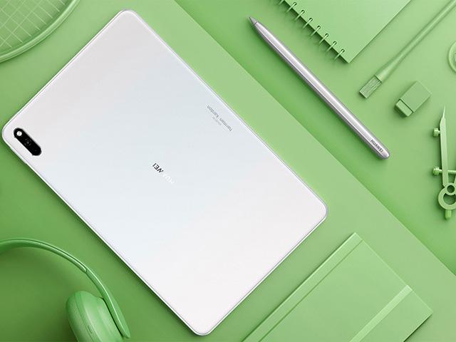 Huawei cũng công bố máy tính bảng mới, so cơ với iPad Air 4