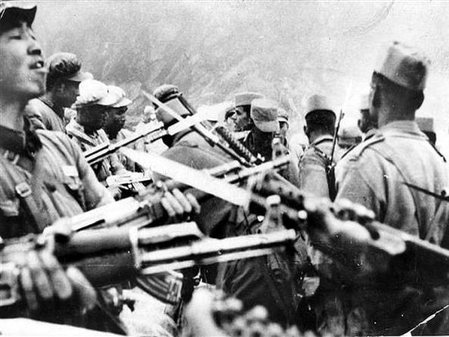 """Tiết lộ về ngày mở màn chiến tranh biên giới Trung - Ấn: Ngày Ấn Độ """"thua đau"""" nhất"""