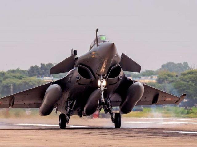 Còi báo động rền vang ở Tây Tạng, Trung Quốc lo Ấn Độ tung chiến đấu cơ không kích?