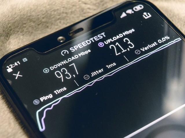 Mạng 5G nhanh gấp 100 lần mạng 4G, nhưng coi chừng những rủi ro