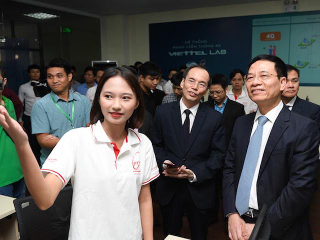 Bộ TT&TT và Viettel xây dựng phòng lab mạng 4G LTE đầu tiên cho trường học