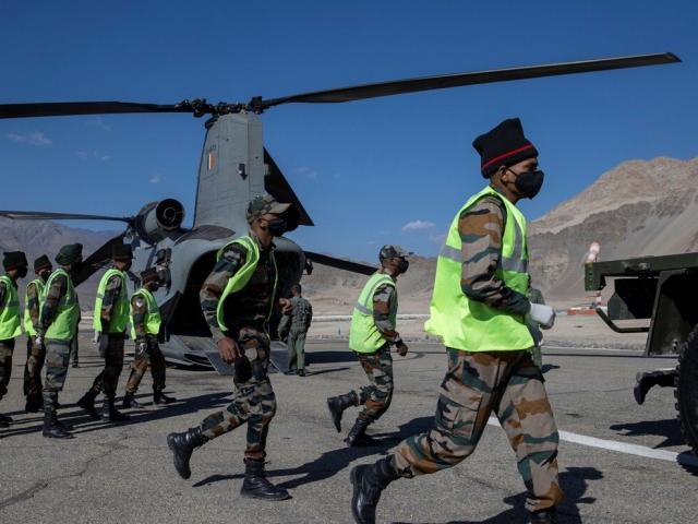 """Ấn Độ cứng rắn chưa từng thấy, yêu cầu Trung Quốc """"xuống thang"""" trước"""
