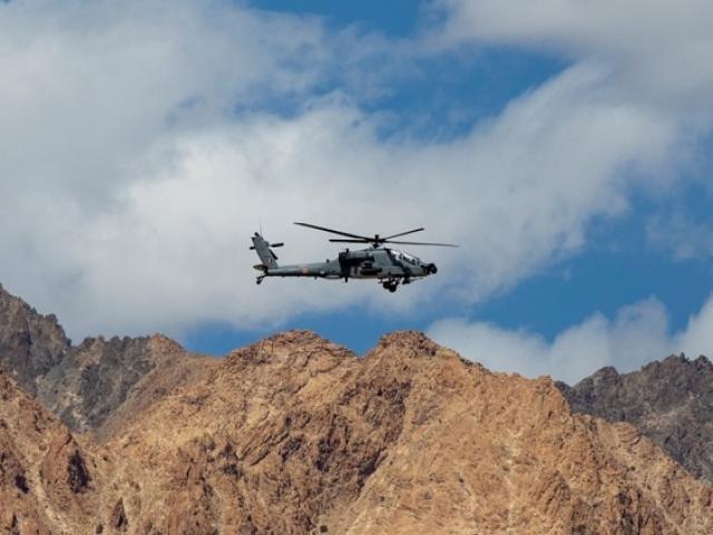 Cựu tướng TQ: Ấn Độ tập trung 10 vạn quân gần biên giới, có thể tấn công bất ngờ