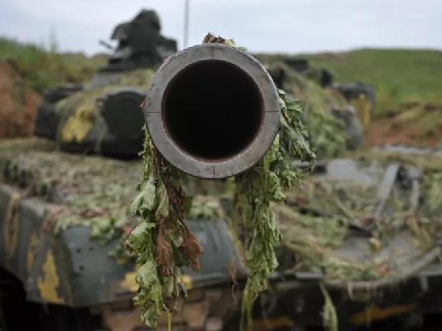 Vì đâu chiến sự bất ngờ bùng nổ giữa Armenia và Azerbaijan?