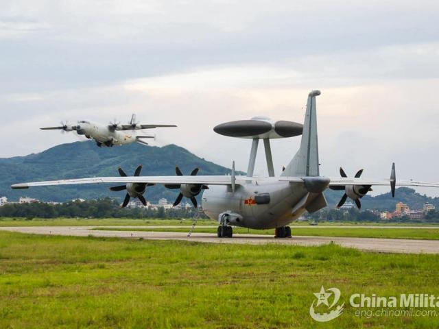 Quân đội TQ trinh sát Đài Loan từ nhiều phía, chuẩn bị cho thực chiến?
