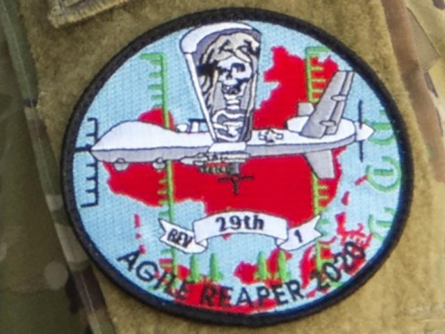 Mỹ cho binh sĩ đeo phù hiệu hình chiến đấu cơ phía trên bản đồ TQ: Báo TQ nói gì?