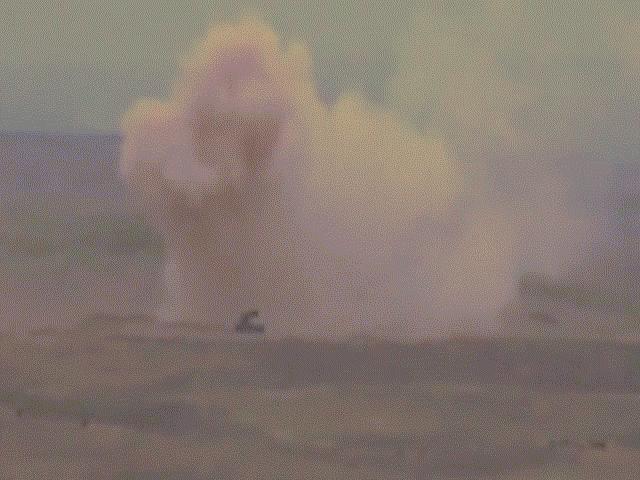"Tung video ""hỏa thần"" TOS -1 của Azerbaijan trút lửa, Armenia nói điều bất ngờ"