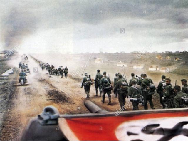 Chiến dịch cực lớn khiến Hitler ôm hận vì coi thường Liên Xô