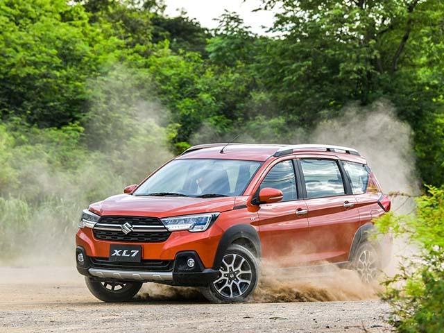 Giá xe Suzuki XL7 lăn bánh tháng 7/2021