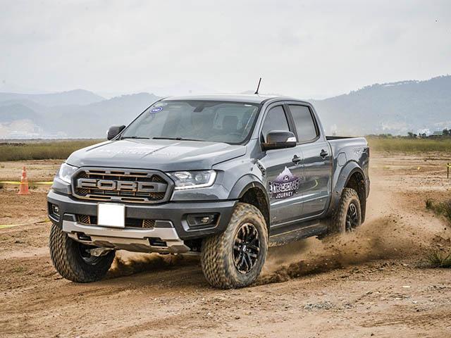 Giá xe Ford Ranger Raptor lăn bánh tháng 7/2021
