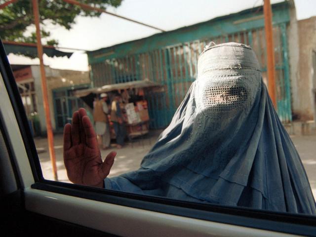 """CNN: 3 phụ nữ nói về cuộc sống ở Afghanistan dưới thời """"Taliban 2.0"""""""