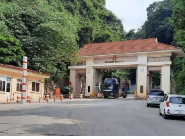 Nóng tuần qua: Trung Quốc tạm dừng hoạt động xuất nhập khẩu tại một cửa khẩu ở Lạng Sơn