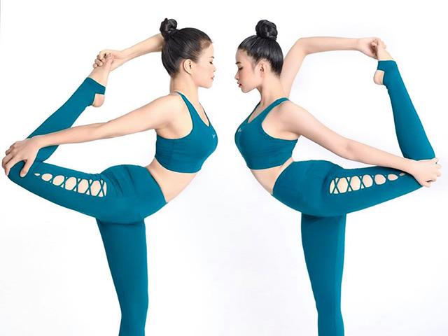 Ngạc nhiên trước hình ảnh hai mẹ con HLV yoga như hai chị em