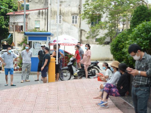 Vụ bé gái 6 tuổi tử vong bất thường ở Hà Nội: Hàng xóm kể phút bố gào khóc gọi con