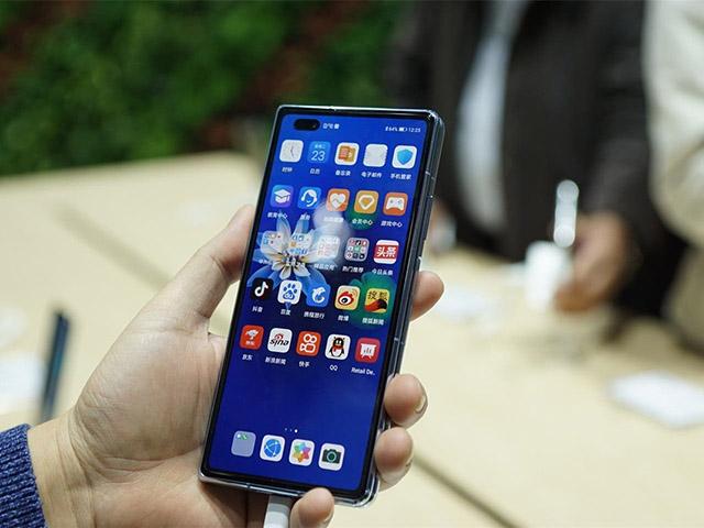 Điều gì giúp Huawei vượt khó trước lệnh cấm của Mỹ?