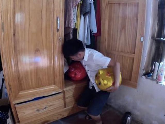"""Tin tức 24h qua: Bày cách trộm tiền trong heo đất, con trai bà Tân Vlog lại bị """"ném đá"""""""