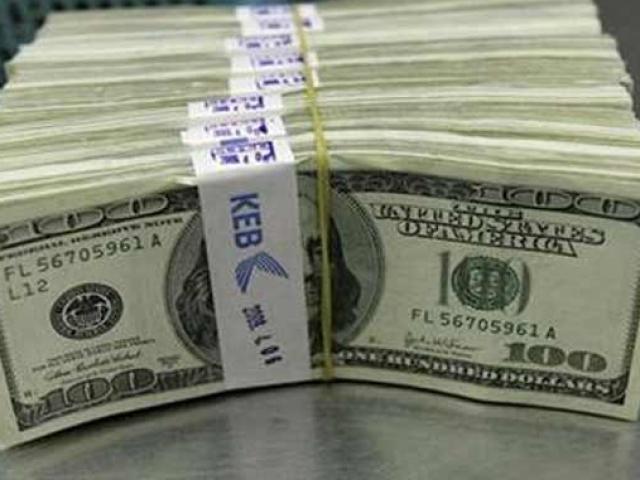Tỷ giá USD hôm nay 20/10: Tiếp tục đổ đèo