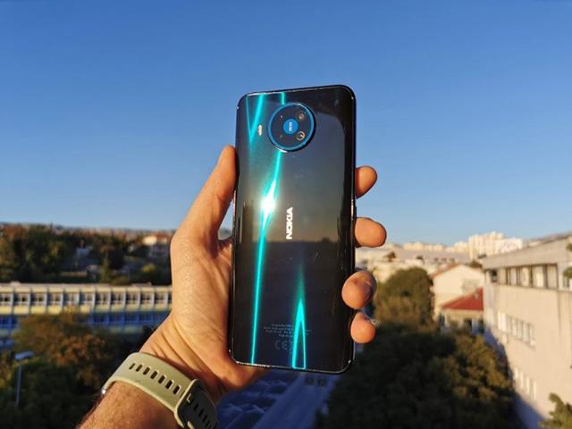 Đập hộp Nokia 8.3 - smartphone 5G cho người dùng Việt