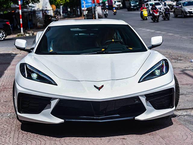 """Siêu xe """"bình dân"""" Chevrolet Corvette C8 bất ngờ có mặt tại Việt Nam, giá bán hơn 7 tỷ đồng"""