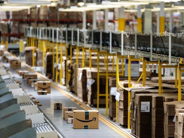 """Amazon """"hốt bạc"""" hơn 3,5 tỉ USD trong hai ngày bán hàng online Prime Day"""