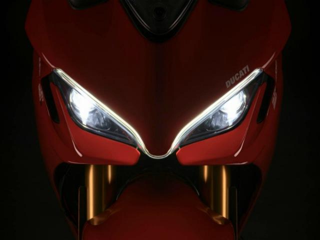 """Loạt đổi mới khủng trên """"mãnh tướng"""" 2021 Ducati Supersport 950"""