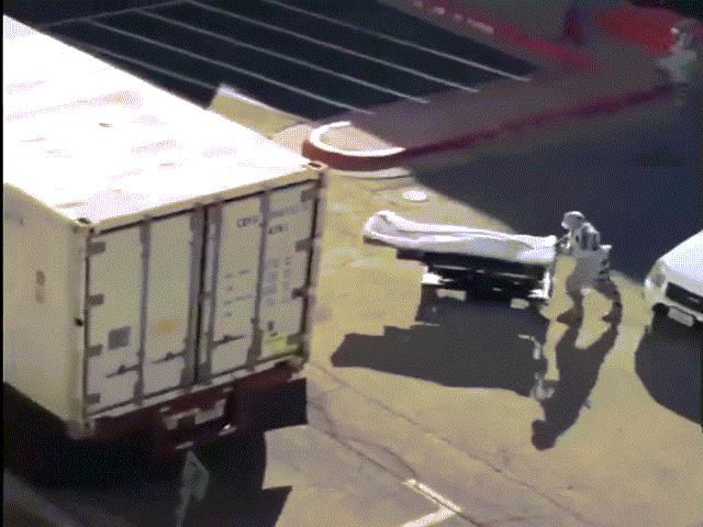 """Mỹ: Người chết vì Covid-19 đếm không xuể, phải """"nhờ"""" tù nhân chuyển thi thể"""
