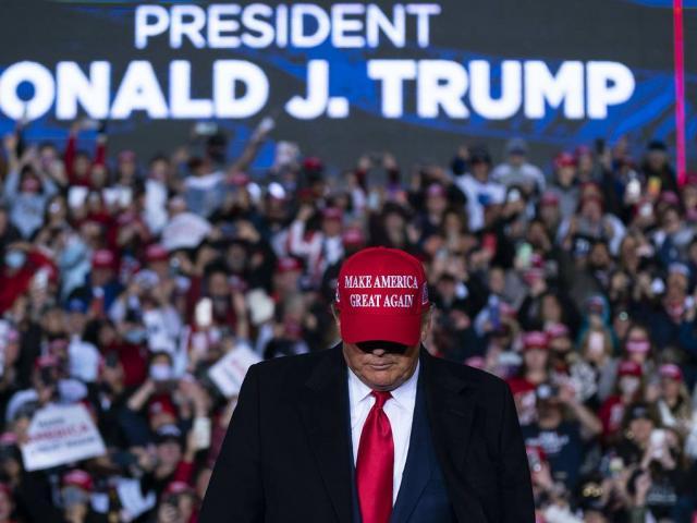 4 lần ông Trump ngầm thừa nhận thất cử?