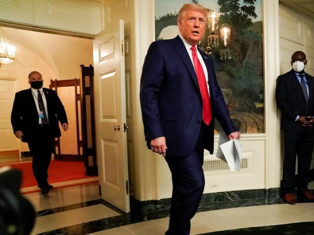 Ông Trump thắp hi vọng cho người ủng hộ việc kiện bầu cử