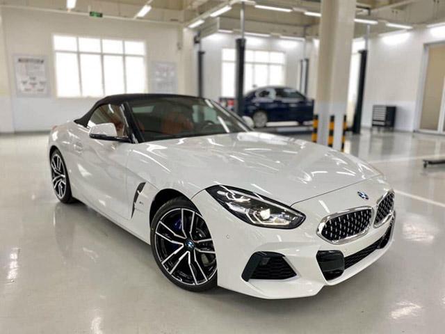 Cận cảnh BMW Z4 2020 chính hãng đầu tiên tại Việt Nam, giá khoảng 3,3 tỷ đồng