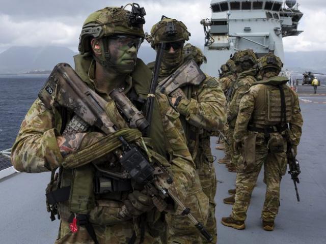 Vụ bức tranh binh sĩ Úc kề dao vào cổ em bé: Mỹ chính thức lên tiếng nhằm vào TQ