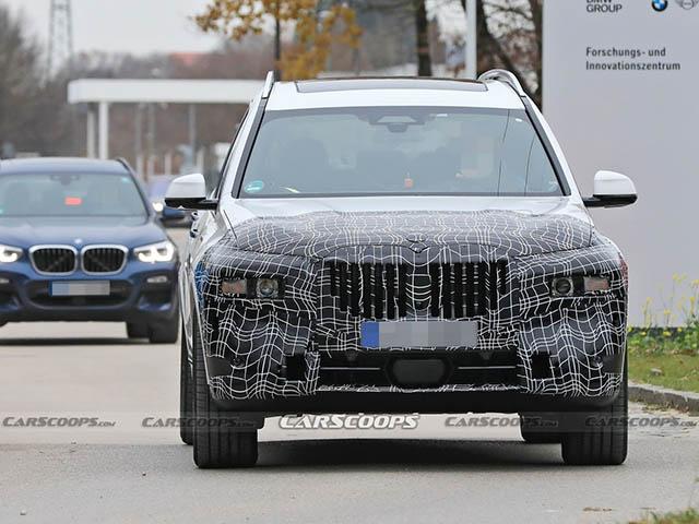 BMW X7 phiên bản nâng cấp bị bắt gặp trong lớp ngụy trang