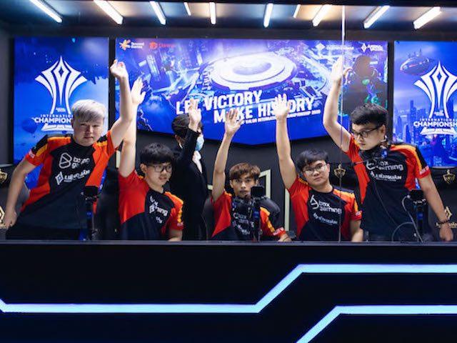 Giải Liên Quân Mobile AIC 2020: Team Flash sắp chạm trán BOX Gaming