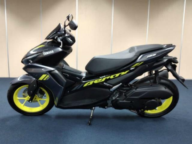 Ảnh thực tế 2021 Yamaha Aerox 155 VVA Connected mới ra mắt