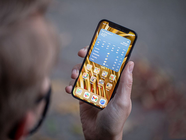 Ngỡ ngàng với chiếc iPhone 12 được săn đón nhiều nhất