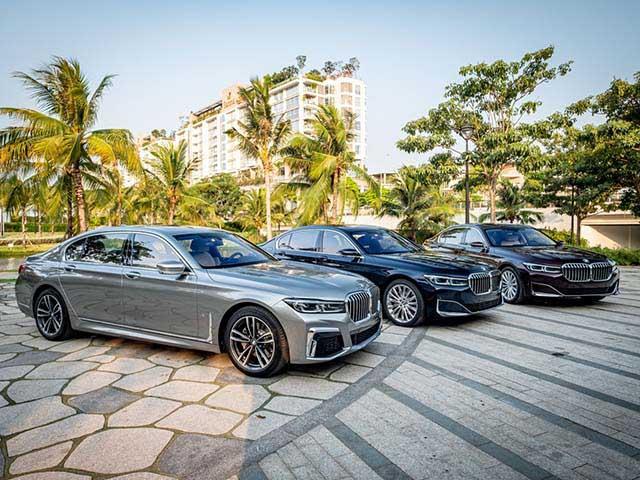 Loạt xe nhập khẩu giảm giá khủng cả trăm triệu đồng trong tháng cuối năm